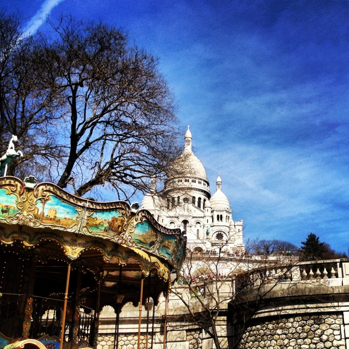 Carousel in view of the Sacre Coeur